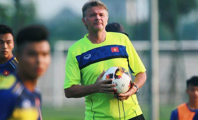 Nhận định của HLV Philippe Troussier về việc lựa chọn cầu thủ