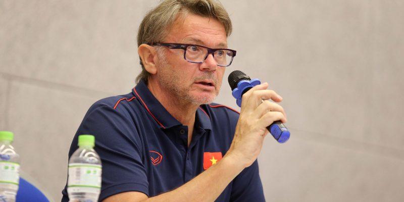 Vì sao HLV Philippe Troussier chọn Việt Nam thực hiện giấc mơ World Cup?