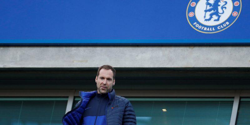 Petr Cech: Không bao giờ cho bộ não 'tạm' dừng hoạt động